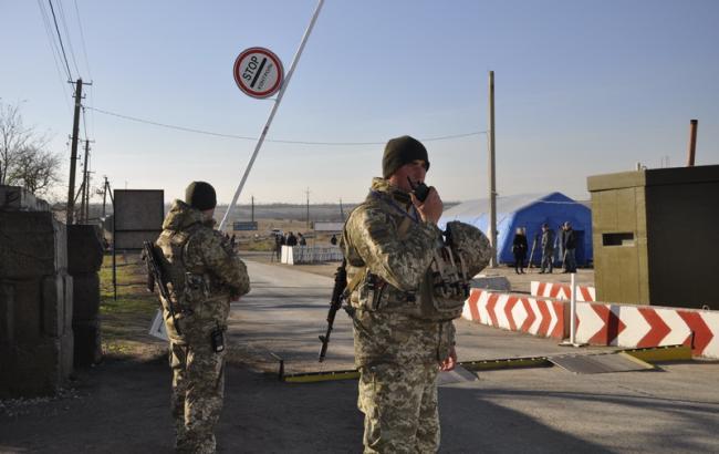 Пункты пропуска на Донбассе за сутки пересекли 37,2 тыс. человек