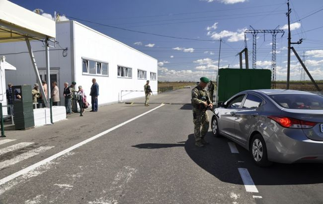 На Донбассе возросло число пересечений линии разграничения