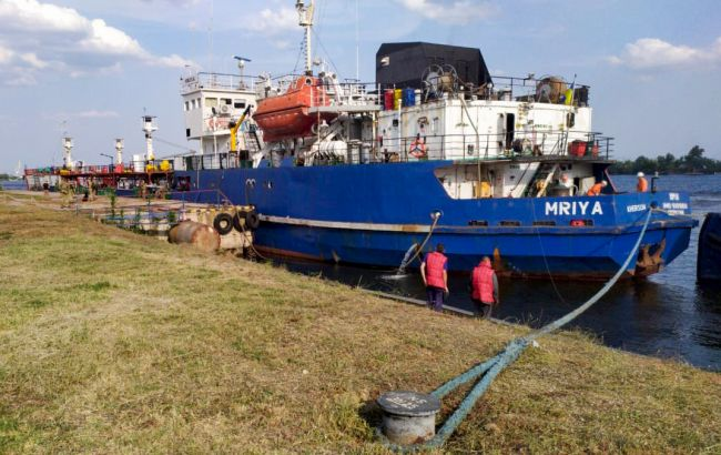 В Херсон доставили танкер, перевозивший топливо российским военным в Крыму