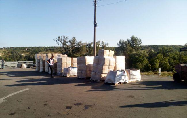 Червоний Хрест відправив на окупований Донбас 7 вантажівок з допомогою