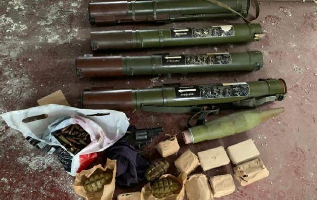 У Донецькій області знайшли схрон із чотирма гранатометами