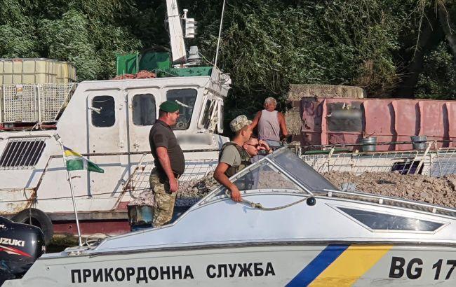 Румунське судно порушило український кордон