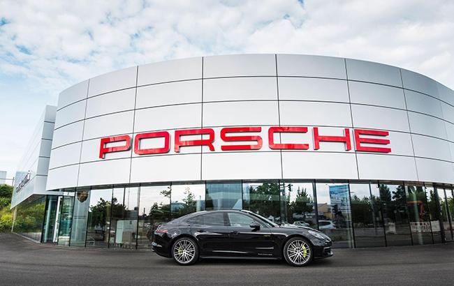 Porsche приостановила продажу новых автомобилей в Европе