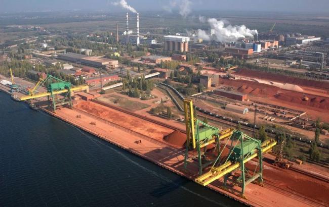 Николаевский глиноземный завод (фото - inshe.tv)