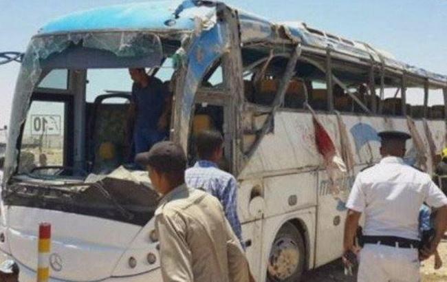 Урезультаті обстрілу бойовиками автобусу в Єгипті загинули понад 20 людей