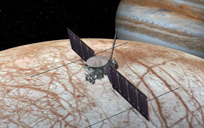 SpaceX запустит шаттл Nasa на спутник Юпитера