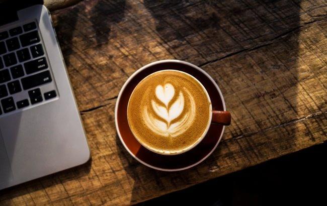 Фото: Кофе (unsplash.com/Nolan Issac)