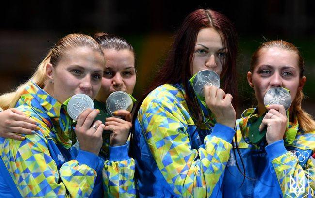 Фото: женская команда Украины по фехтовании на саблях на Олимпиаде-2016