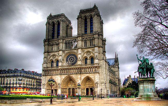 У Парижі біля собору Нотр-Дам сталася стрілянина