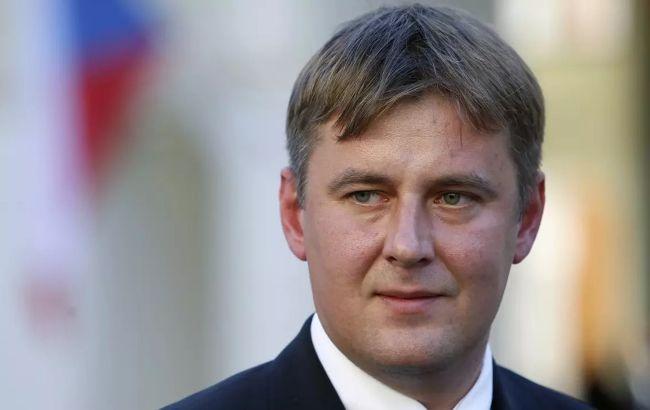Евросоюз должен запустить COVID-паспорта до лета, - МИД Чехии