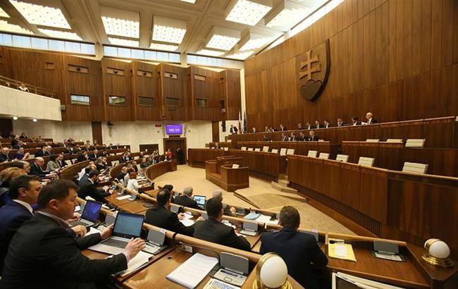 В Словакии проголосуют за вотум недоверия правительству после убийства журналиста