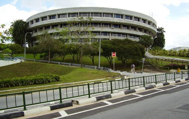 Фото: Наньянский технологічний університет спільно з сінгапурськими владою протестує безпілотні автобуси