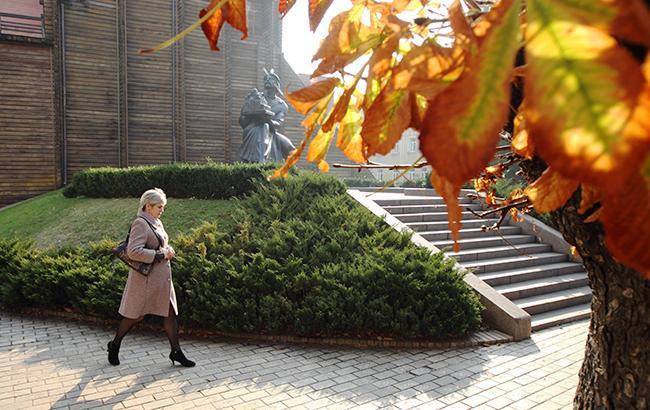 Второе бабье лето и снег в ноябре: синоптики рассказали, какой будет осень в Украине