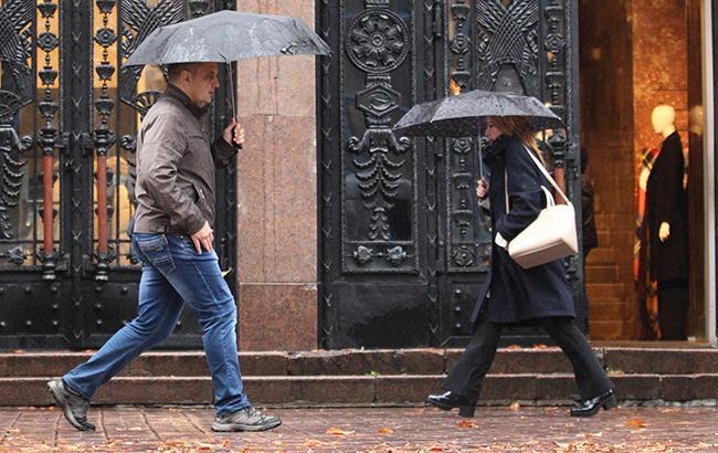 Погода на сьогодні: в Україні місцями дощі, температура до +22
