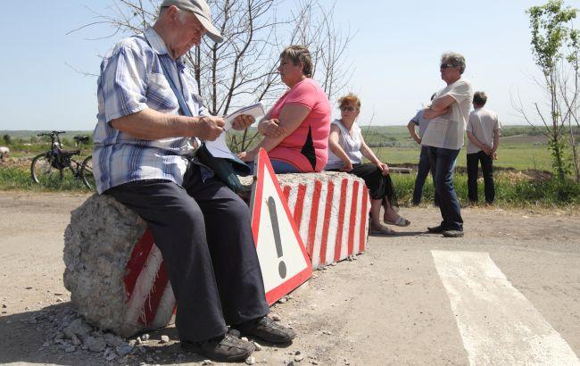Украина отменила штрафы за выезд из ОРДЛО через Россию. Зеленский подписал закон