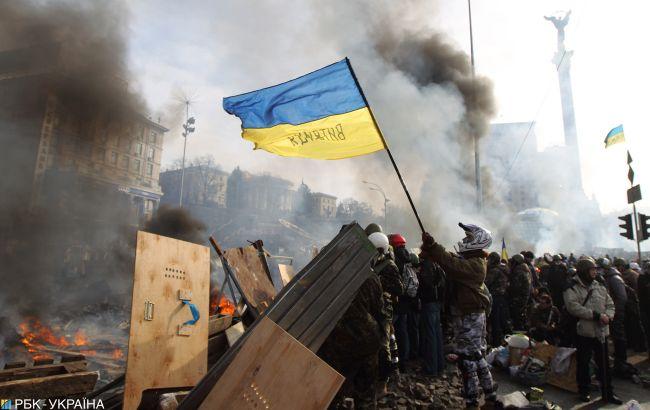 Дело Майдана: суд разрешил заочное расследование против экс-главы Минобороны
