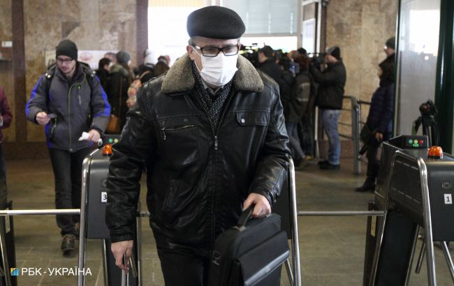 У Києві дезінфікують вагони метро, щоб уникнути поширення коронавірусу