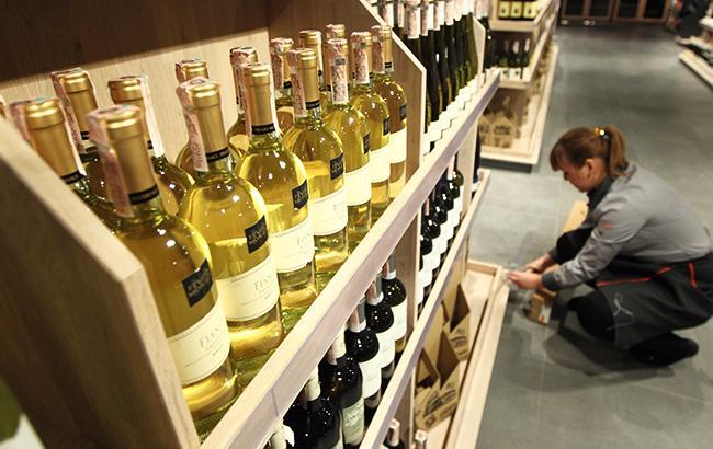 У Києві знову заборонили нічну торгівлю алкоголем