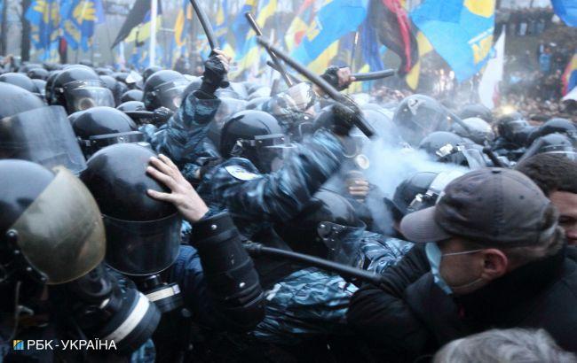 Розстріл Майдану: обвинуваченого у вбивствах беркутівця поновили на посаді