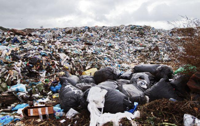 Частина львівського сміття закопували в сільськогосподарських землях, - прокуратура
