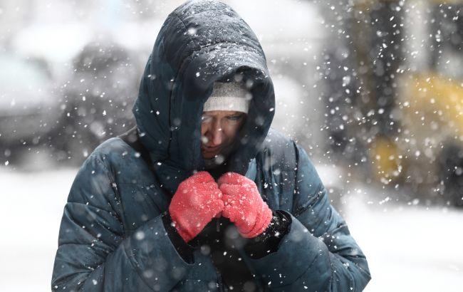 Транспортный коллапс, закрытые школы и выходной из-за снегопада: ситуация в городах Украины