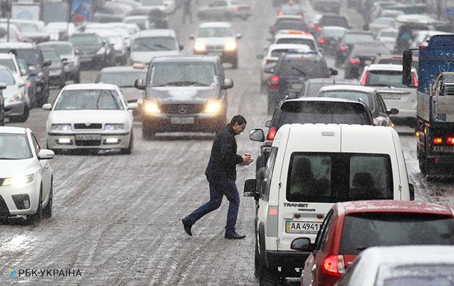 Проезд фургонов ограничен на трассах в 5-ти областях государства Украины