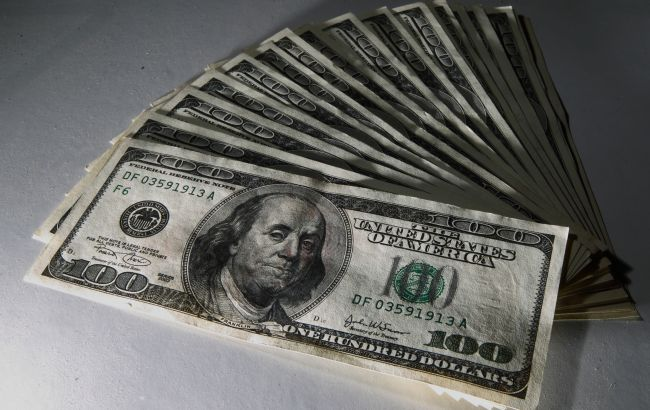 НБУ снизил курс доллара на 16 июля
