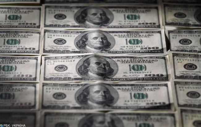 Доллар немного подрожал в начале недели