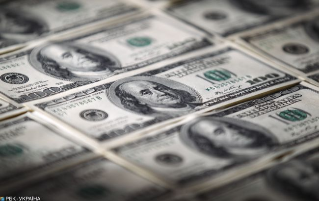 Курс доллара снова обновил максимум за два года