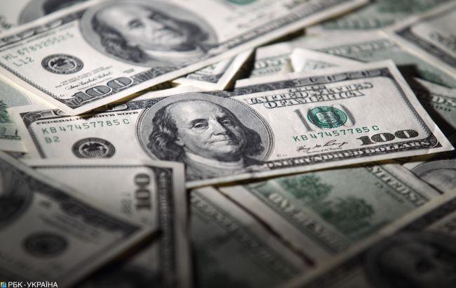Курс доллара падает второй день подряд после двухлетнего максимума