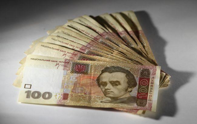 Зарплаты украинцев падают второй месяц подряд