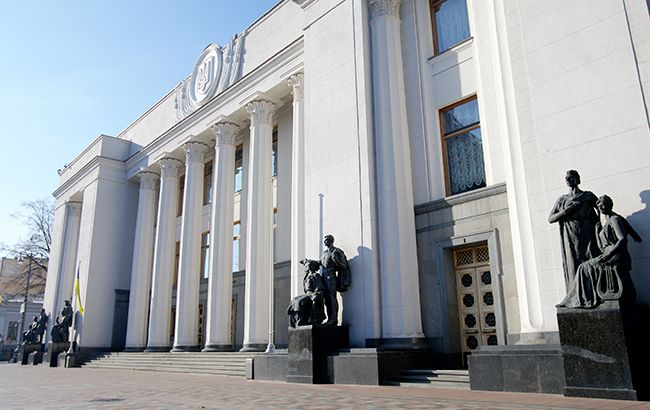 Центр столицы Украины «застрял» впробках из-за оцепления силовиками правительственного квартала
