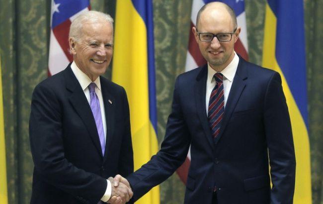 Яценюк упрашивал США вмешаться вминские переговоры— Встреча сБайденом