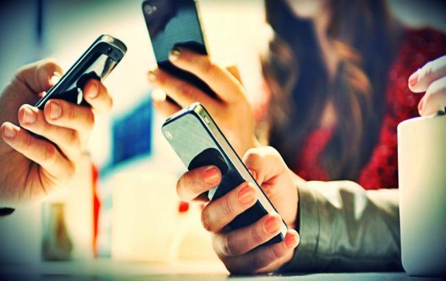 """Фото: трохи більше, ніж за рік мобільні оператори """"підсадили"""" на 3G понад 15 млн українців (hifipublic.com)"""