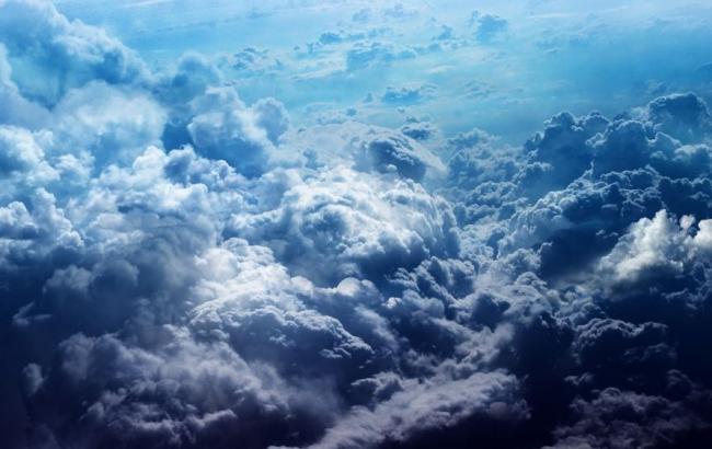 Фото: Хмари (awesomeworld.ru)
