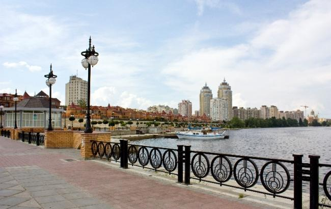 Фото: Оболонская набережная в Киеве (my-obolon.kiev.ua)