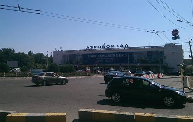 В одесском аэропорту посадили самолет из РФ в Турцию из-за подозрительного багажа