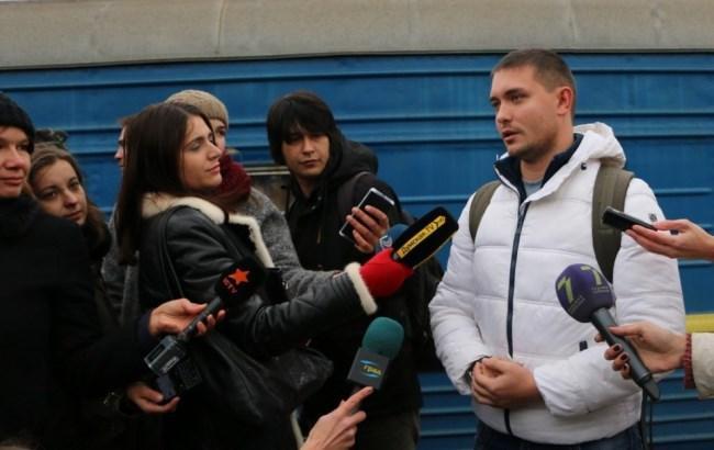 Двохмільйонний турист: в Одесі бійця з Тернополя зустрічали з оркестром та подарунками