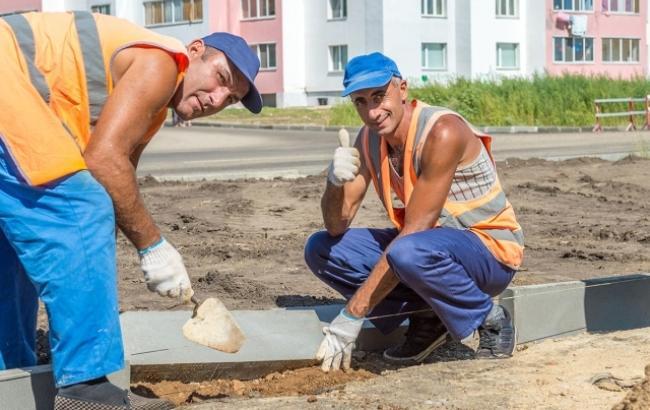 """Ремонтники тротуаров """"кинули"""" Черкассы почти на миллион"""