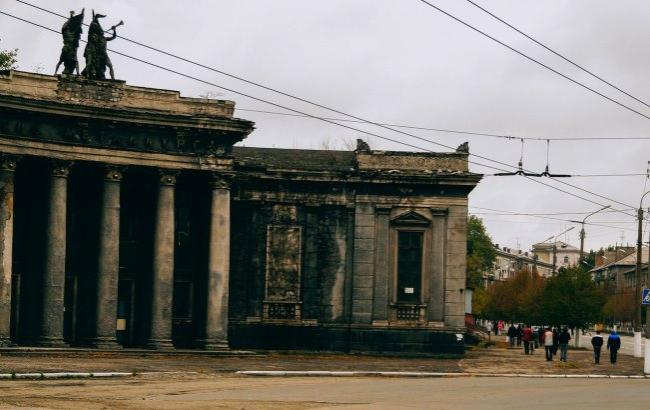Фото:Полупустые улицы и разрухаАлчевска (vk.com/industrialheaven)