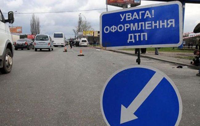 У Вінницькій області автобус зіткнувся з трактором, є жертви