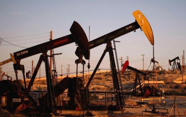 Фьючерсы на нефть в США выросли
