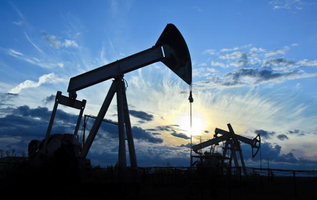 Ціна нафти Brent опустилася нижче 44 доларів за барель