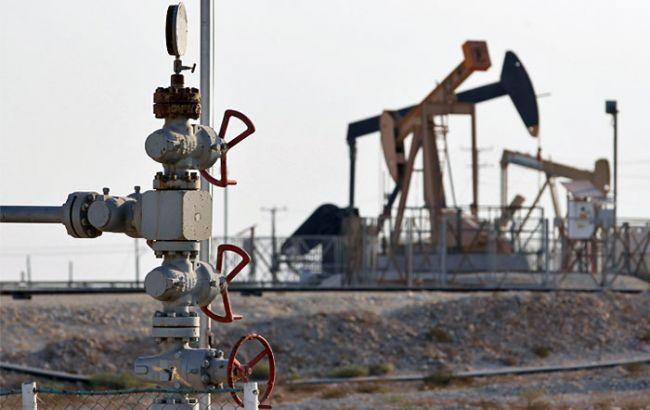 Фото: нефть Brent торгуется возле отметки в 49 долл