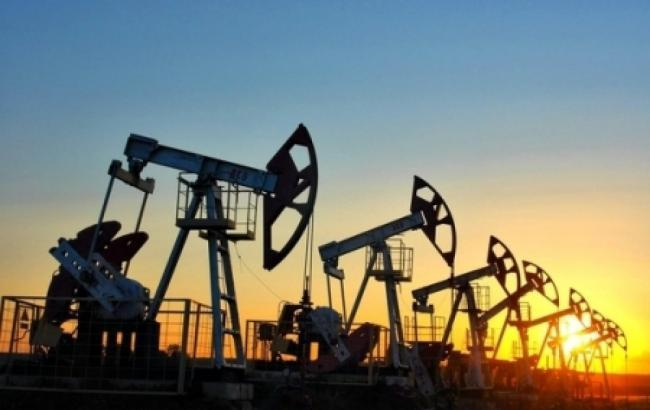 Цена на нефть Brent опустилась ниже 43 долларов за баррель