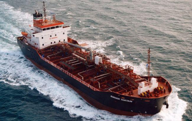Фото: танкер с нефтью