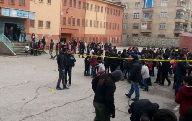 Фото: теракт в школьном дворе в Турции