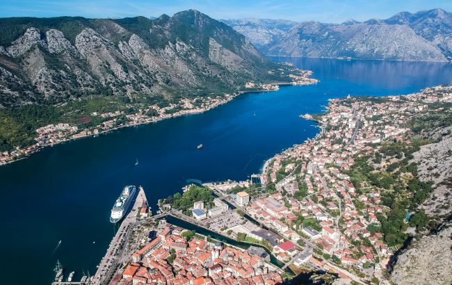 Южный фьорд Европы: во сколько обойдется осенний отпуск в самой живописной бухте Черногории