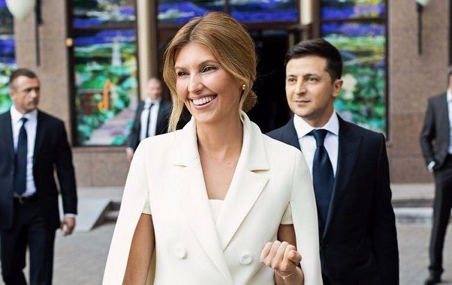 Сама жіночність: Олена Зеленська блищить в стильному вбранні трендового відтінку