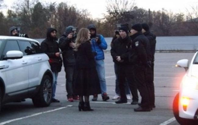 Фото: Момент прибуття патрульних на хибний виклик (online.ua)